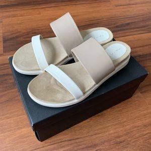 NIB Tahari Marly Platform Sandals